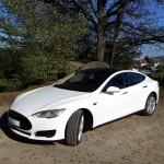 Tesla Model S gestartet 30.10.2013 in Frankfurt/Main